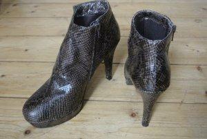 Sexy Stiefelette/Ankleboots mit Snakeprint. Kaum getragen!