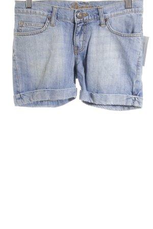 shakira Shorts stahlblau Street-Fashion-Look