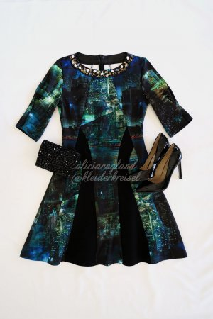 """She's City Lights"" Print Kleid"