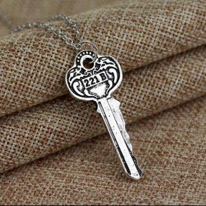 Sherlock Holmes Kette Schlüssel 221b Baker Street neue Fanartikel unisex
