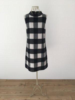 Shiftkleid mit kleinem Stehkragen in schwarz-grau-weiß kariert von Hallhuber