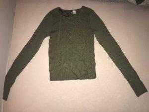 H&M Camisa con cuello V caqui
