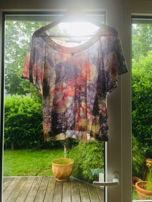 Shirt / Bluse / Sommerbluse /U Boots / Wassefall/ Carmen / Rundhals / Netz / Batik /Print