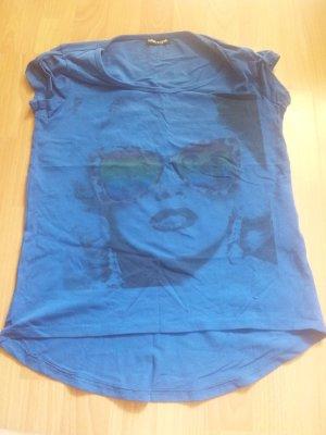 Shirt dunkelblau Gesicht Frau Gr. M