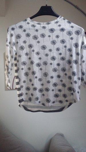 Shirt grau weiß, vorn Pusteblumen, hinten Streifen
