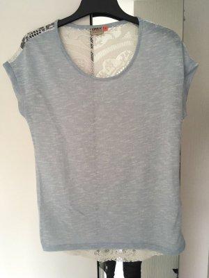 Shirt hellblau spitze