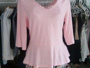 Shirt in Rosa mit Schößchen
