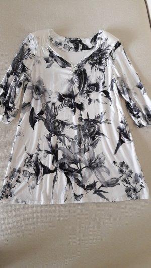 Shirt in Schwarz-Weiss mit Blumenprint & 3/4 Arm