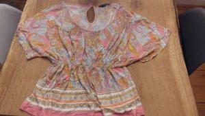 Shirt in sommerlichen Farben
