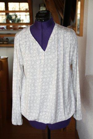 Shirt mit abstraktem Muster