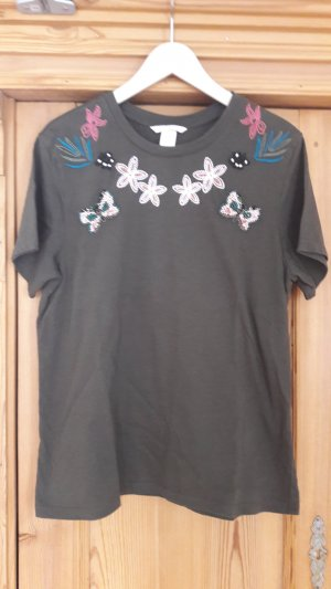 Shirt mit Applikationen - NEU