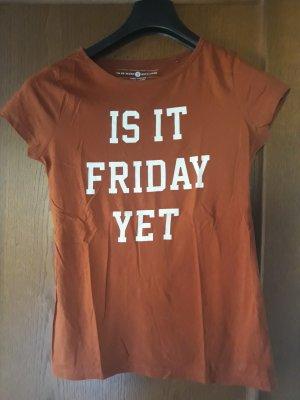 shirt mit aufdruck is it friday yet