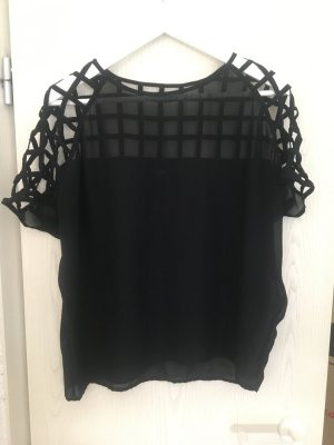 Shirt mit Cut Outs