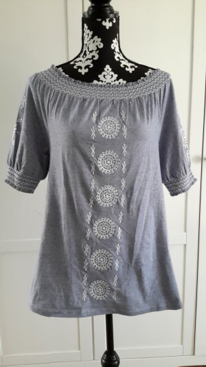Shirt mit kurzen Ärmeln und Carmenausschnitt