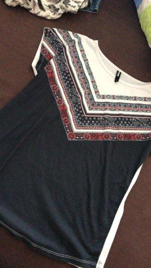 Shirt mit Mustern