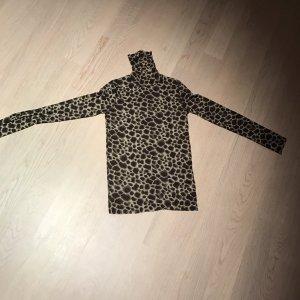 Shirt mit Rollkragen im Leomuster