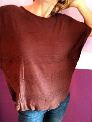 Shirt mit rundem Saum und Flatterärmeln wie ein Poncho Gr. XS