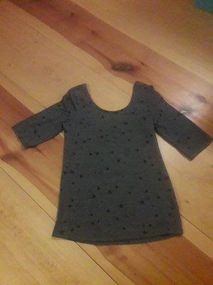 Shirt mit Sternenmuster - Rückenausschnitt - dreiviertel Arm