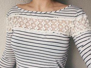 Shirt mit weißer Spitze