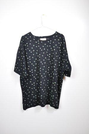 Shirt / Oversized Shirt / Kleid mit kleinen süßen Blümchen