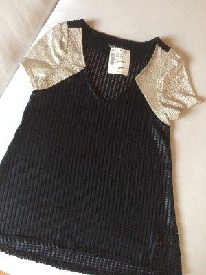 Camisa con cuello V negro-color plata