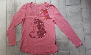 Shirt von LIEBLINGSSTÜCK in pink, mit V Ausschnitt, Statement-Print Panter aus Pailetten