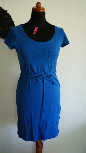 Shirtkleid in strahlendem blau