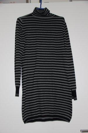 Shirtkleid mit Streifen und Rollkragen