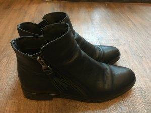 Shoe the bear booties