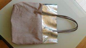 Shopper aus Canvas beige-silber mit Lederhenkeln