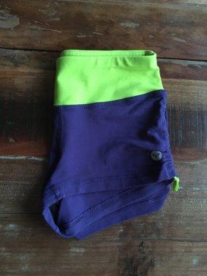 Roxy Pantalón corto deportivo verde pradera-lila