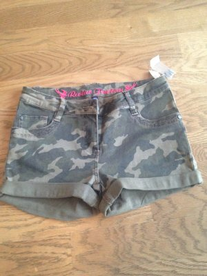 Short in Armeelook Neu!