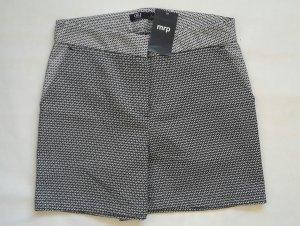 SHORT kurze Hose HOT PANTS Shorts MUSTER Bermuda schwarz weiß gemustert Gr36 NEU