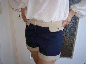 Short Marinelook blau-beige
