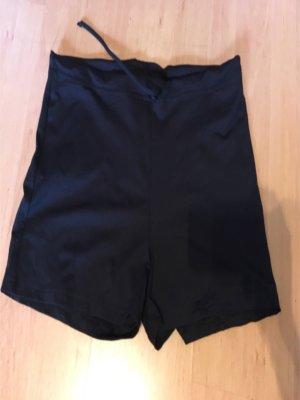 Short - Sporthose mit Gummi