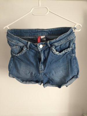 Shorts ................