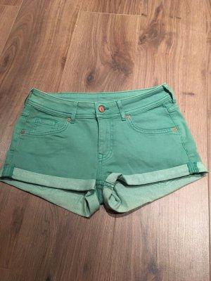 H&M Divided Short vert gazon-vert clair