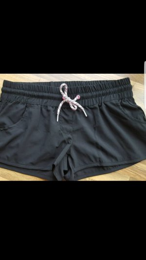 Shorts negro