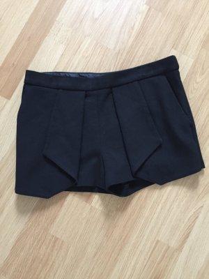 Shorts aus Anzugstoff