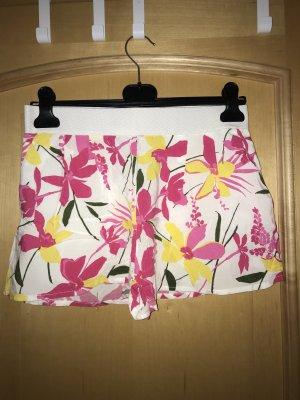 Shorts aus Stoff mit Blumenmuster von H&M