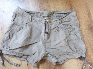 Shorts Gr. S in beige