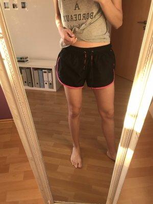 GYMSHARK Shorts nero-rosso lampone