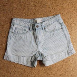 Shorts hellblau Nadelstreifen H&M