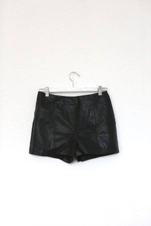 Shorts Hot Pants Kunstleder Urban Outfitters schwarz Gr. S High Waist