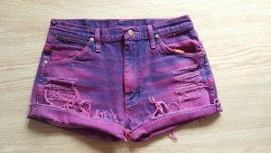 Shorts im destroyed Look von Wrangler
