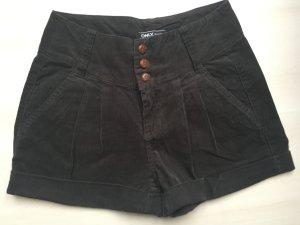 Shorts in Cord-Optik