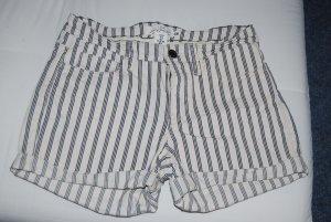 Shorts in creme blau gestreift in Gr. 36 von H&M - neu