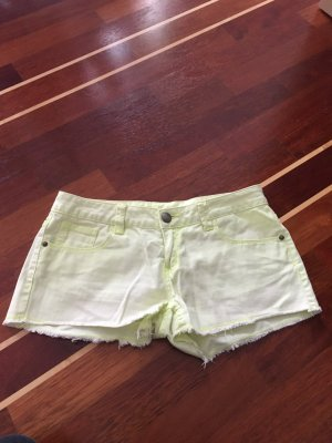 Shorts in der Gr. M gelb