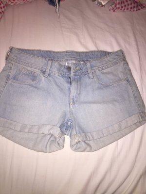 Shorts in hellblau von H&M