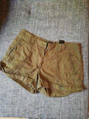 Shorts in Kaki